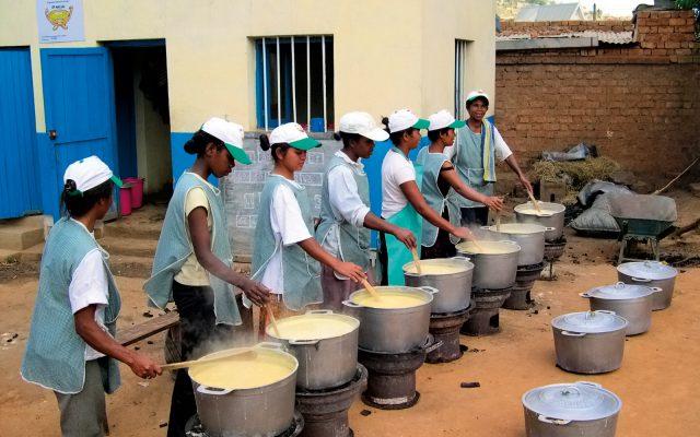 Commercialisation de bouillie à Madagascar, ©Gret