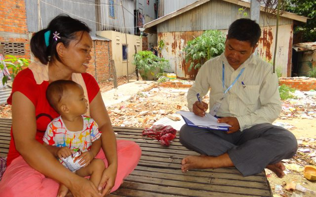Meeting families in Cambodia @Gret