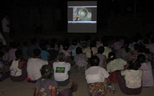Projections ciné-débats au Myanmar ©Gret