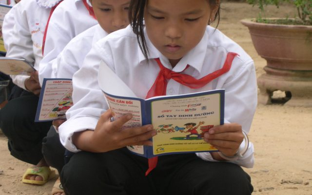 Awareness-raising at school in Vietnam ©Gret